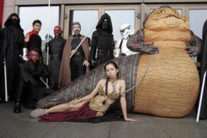 Millones de fans de la saga creada por George Lucas la celebran el 4 de mayo. Foto:AP