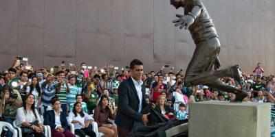 Develan estatua en honor a Oswaldo Sánchez en Torreón Foto:Mexsport