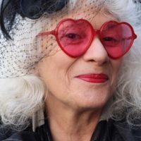 El blooger Ari Seth Cohen etrata damas neoyorquinas con estilo. Foto:vía AdvancedStyle