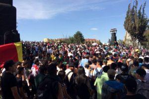 """Con consignas como """"la mota legal eleva la moral"""" y """"somos pachecos no somos criminales"""", cientos de personas se desplazan Foto:@SeGobCDMX"""