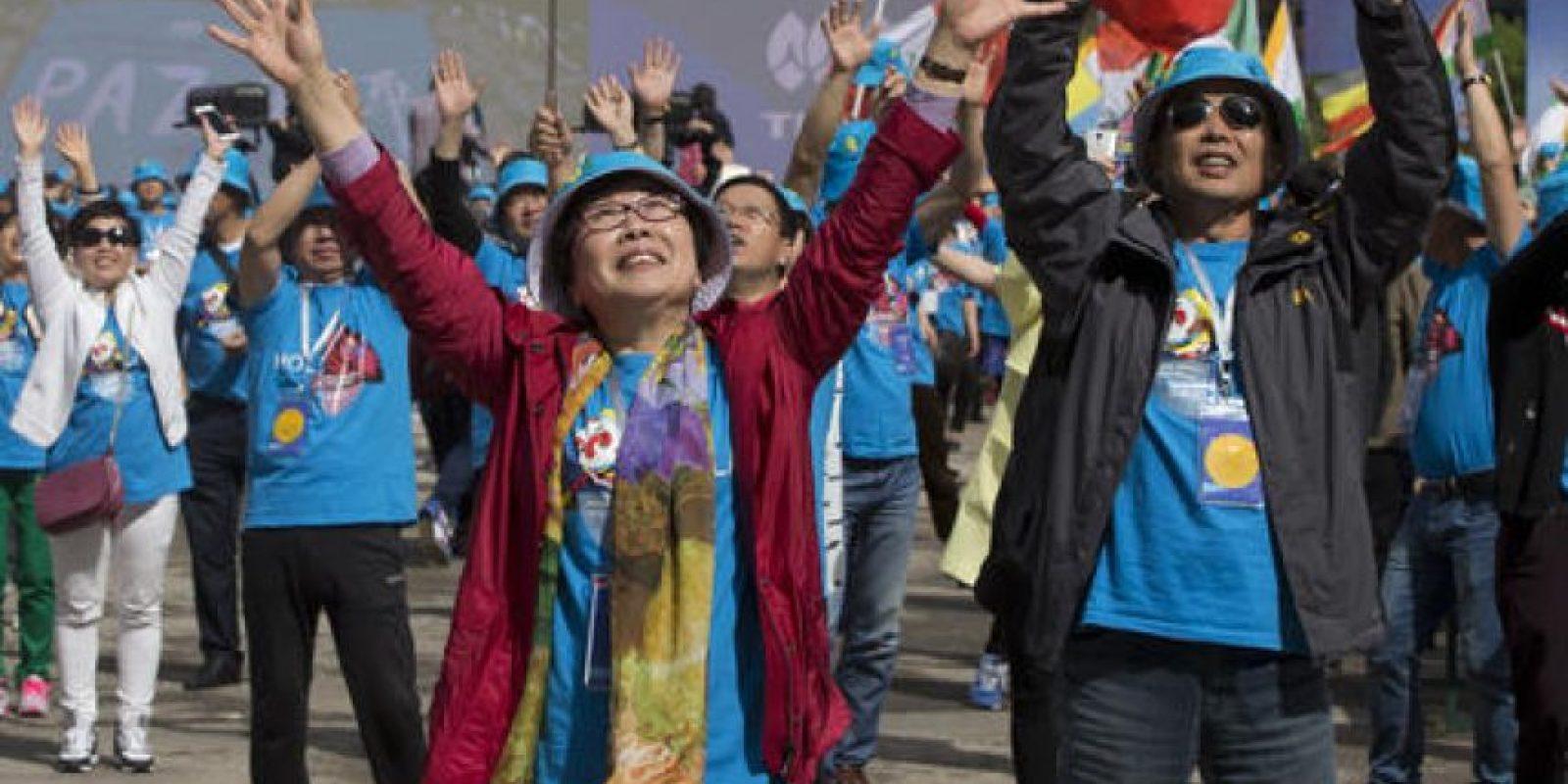 Así festejaron los empleados por sus vacaciones en España. Foto:AP