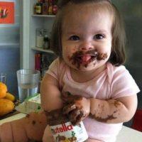 Comiendo chocolate. Foto:Vía Pinterest