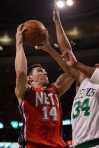 Las lesiones y los pocos minutos hicieron que Nájera se mudara de nuevo, ahora con los Nets de Nueva Jersey en la campaña 2008-09, en donde tuvo muy poca participación. Foto:Getty Images