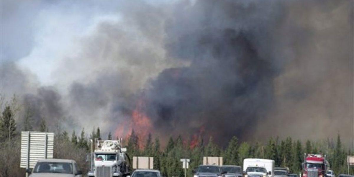 Incendio forestal en Canadá sigue propagándose