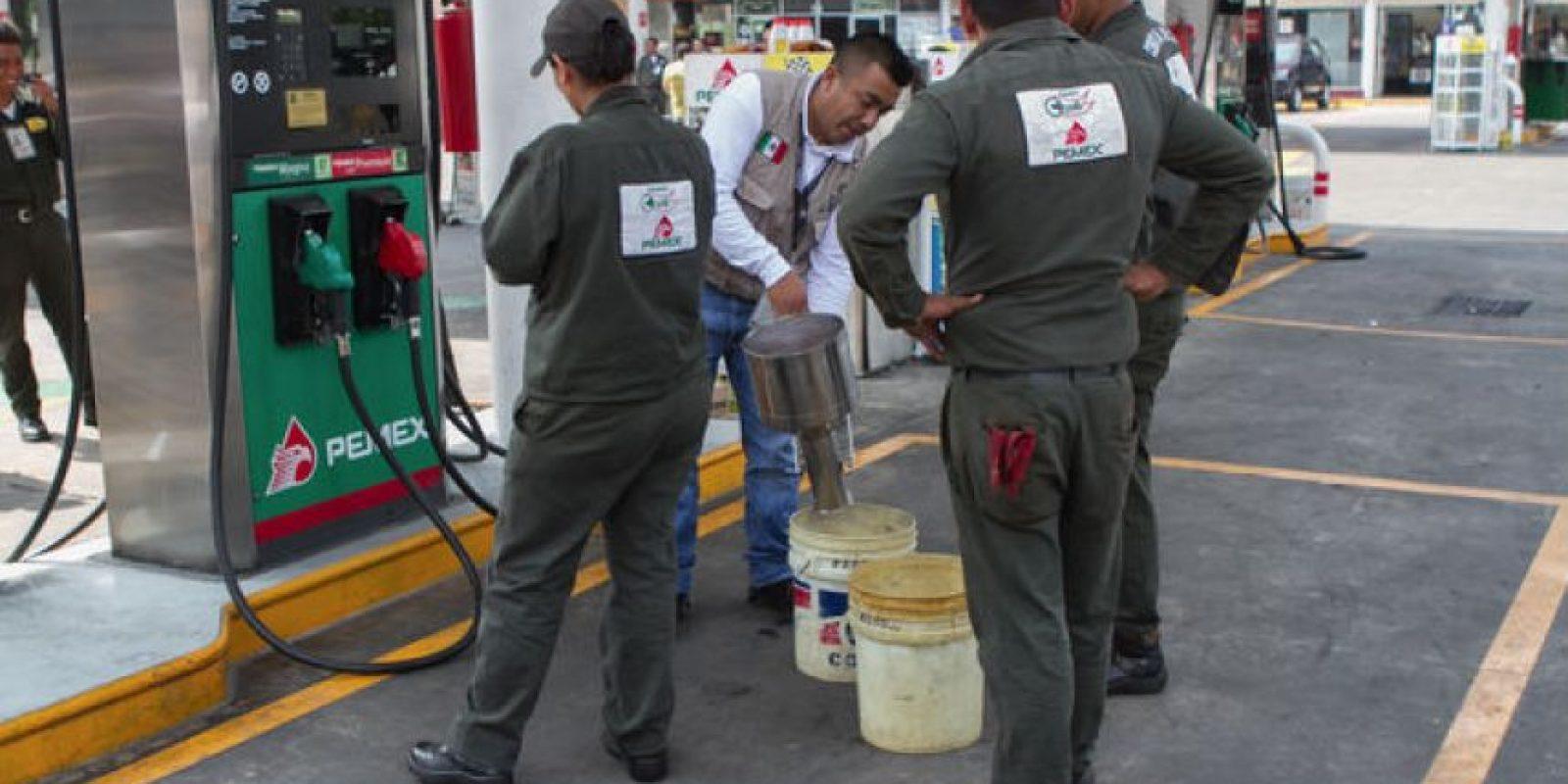 El 68% de los compuestos orgánicos volátiles es emitido por fugas de vapores en estaciones de gasolina, quema de combustibles y diesel Foto:Archivo Cuartoscuro