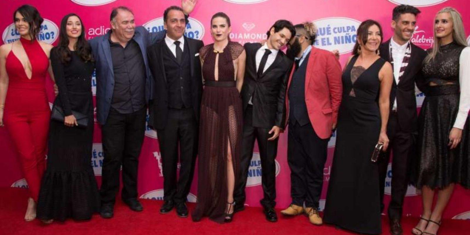 Todo el elenco de la película asistió a la premiere en e Teatro Metropolitan