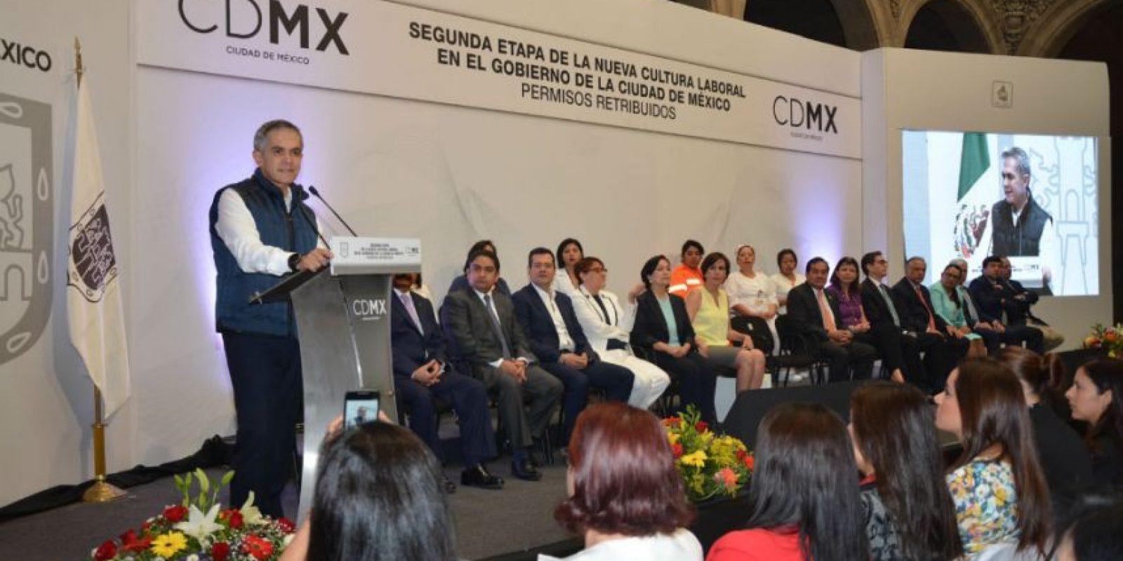 Todos los viernes los trabajadores del Gobierno de la CDMX se retiren a las 15:00 horas Foto:Cortesía