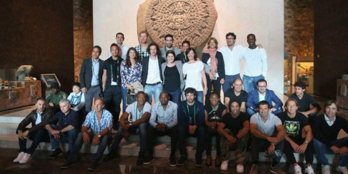 FOTOS: Leyendas del futbol visitan el Museo de Antropología
