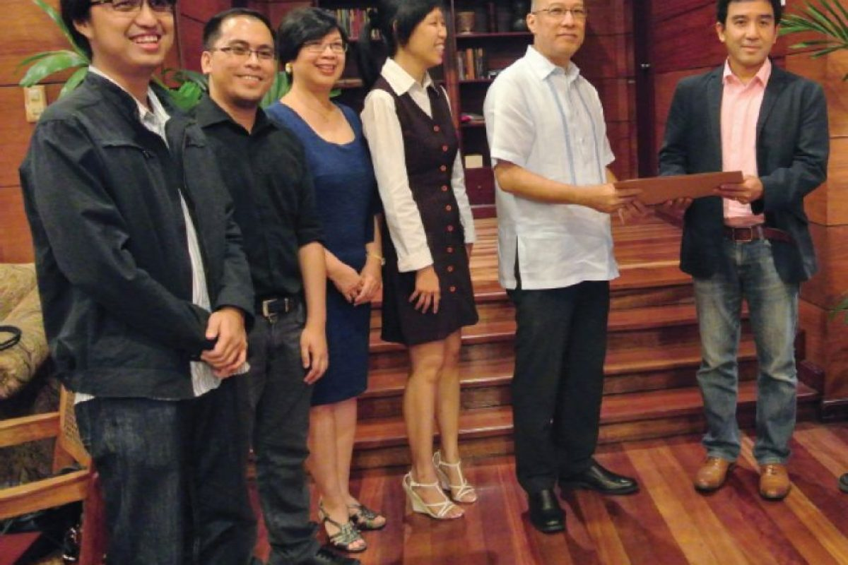 Galang y su equipo. Foto:Cortesía
