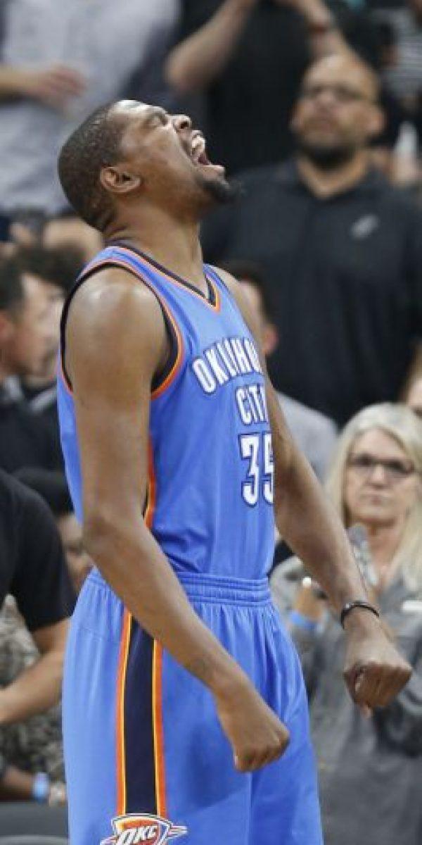 Thunder está a punto de eliminar a Spurs Foto:Getty Images