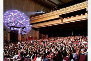 El Teatro Metropolitan lució lleno durante la premiere