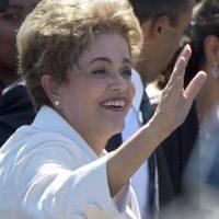 Mientras tanto, Dilma Rousseff se despidió de sus seguidores Foto:AFP