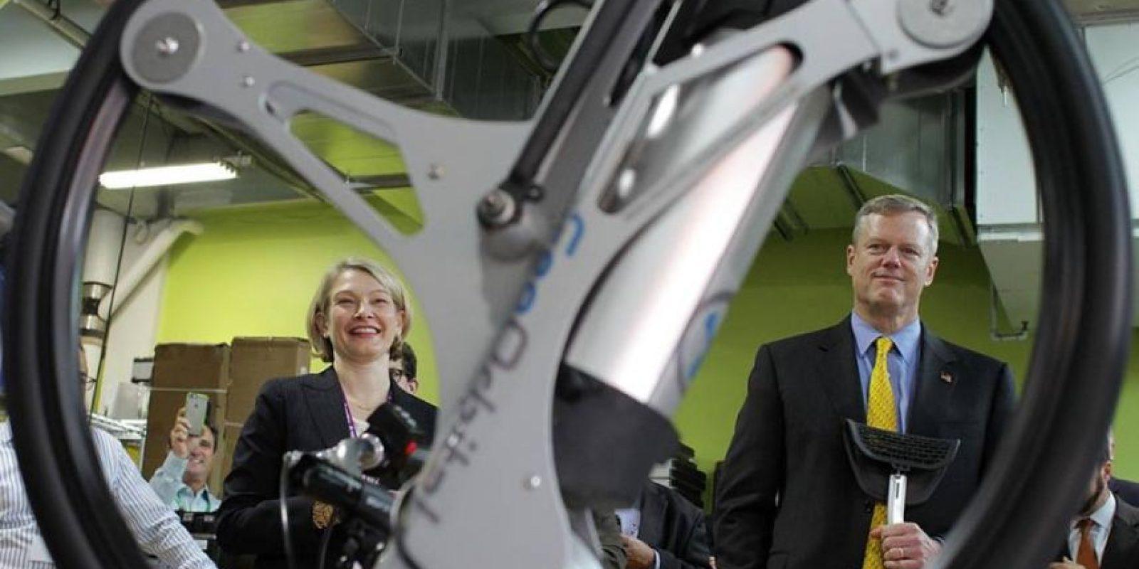 Esta rueda transforma tu bicicleta en un vehículo eléctrico. Foto:GeoOrbital