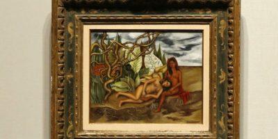 Kahlo la pintó sobre metal, lo que recuerda a la tradición de los antiguos votos u ofrendas ofrecidas a un santo Foto:AP