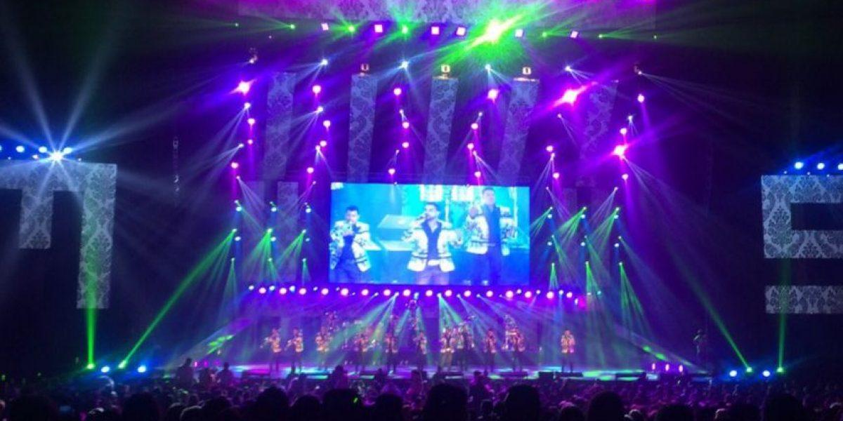 Banda MS honra a Joan Sebastian y Vicente Fernández en festín musical