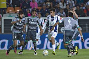 Pachuca sufre pero elimina a Santos y avanza a semifinales Foto:Mexsport