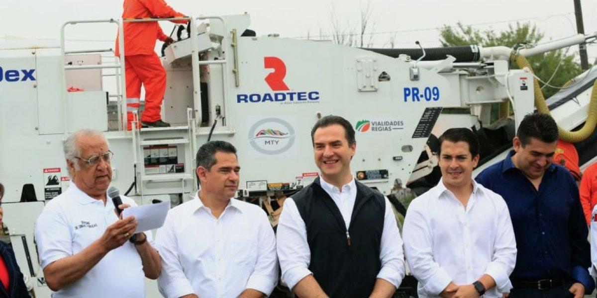 Trabajarán por fin en tapar baches de Monterrey