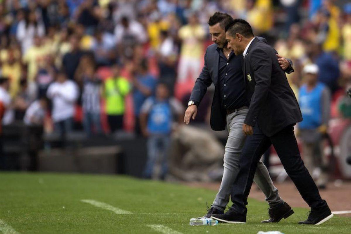 Nada para nadie entre Antonio Mohamed y Nacho Ambriz Foto:Mexsport