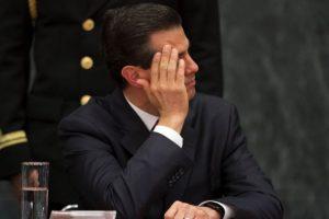El presidente Enrique Peña Nieto dejó en manos de la SEP la petición de los estudiantes del IPN. Foto:Cuartoscuro