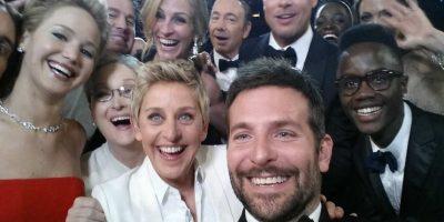 """El """"boom"""" de los selfies empezó gracias a esta famosa foto de los Oscares. Foto:Getty Images"""