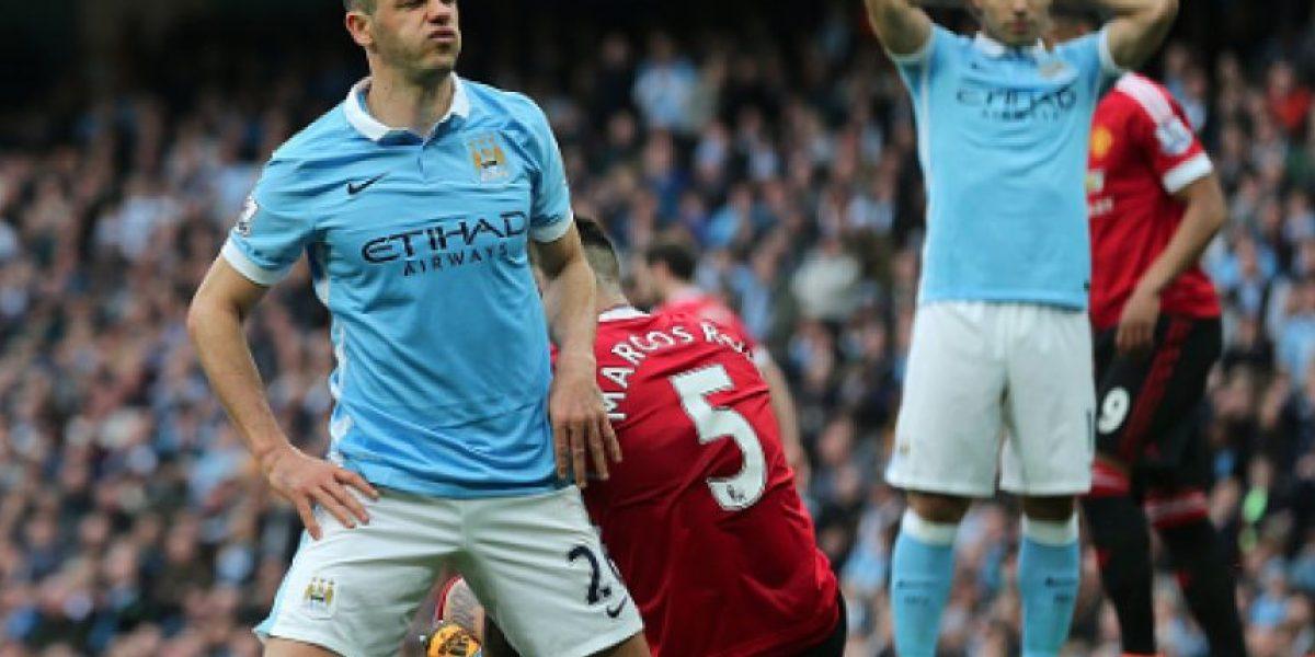 Multan a jugador del Manchester City por apostador ilegal en Inglaterra