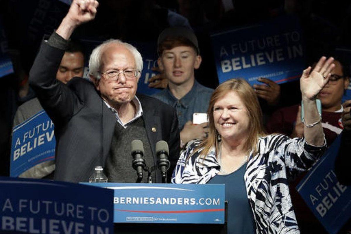 Y el senador Bernie Sanders, ambos luchan por ser el nominados por su partido. Foto:AP