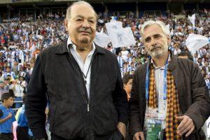 Slim y Martínez Patiño en la cancha del Estadio Hidalgo. Foto:Mexsport