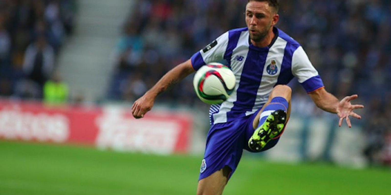 El lateral mexicano le costó 6 millones de euros al equipo portugués. Foto:Getty Images