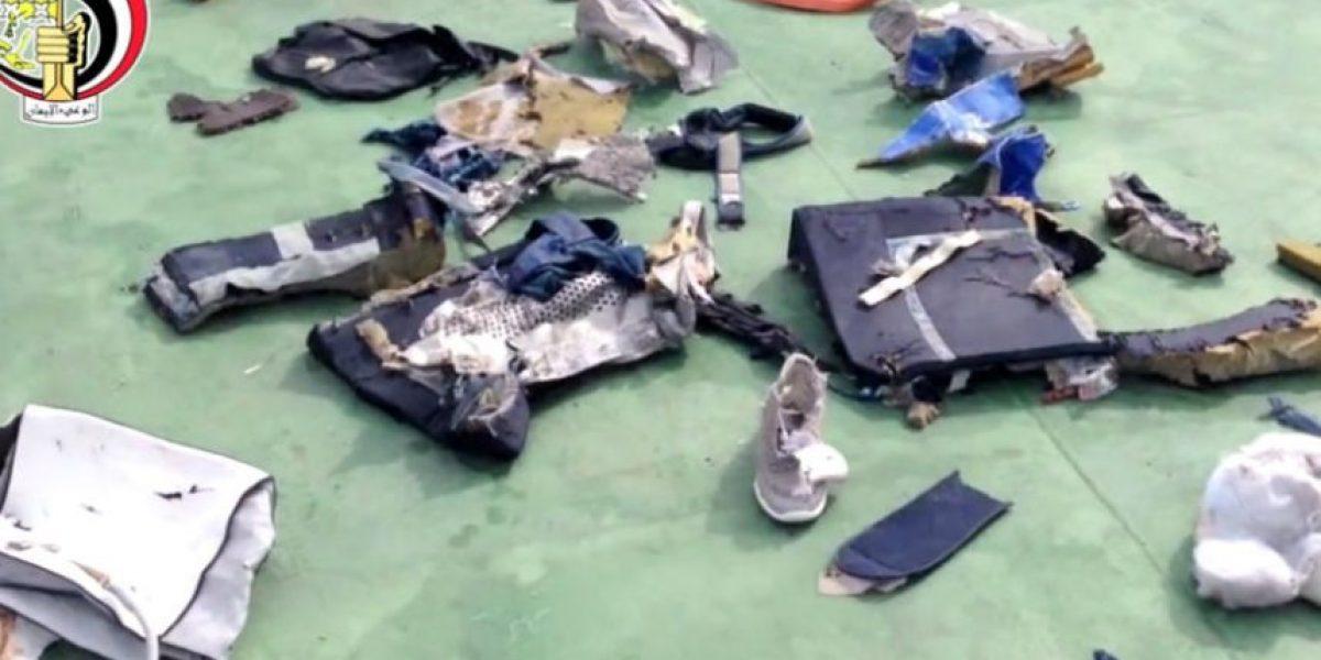 Difunden primeras imágenes de  restos del avión de Egyptair