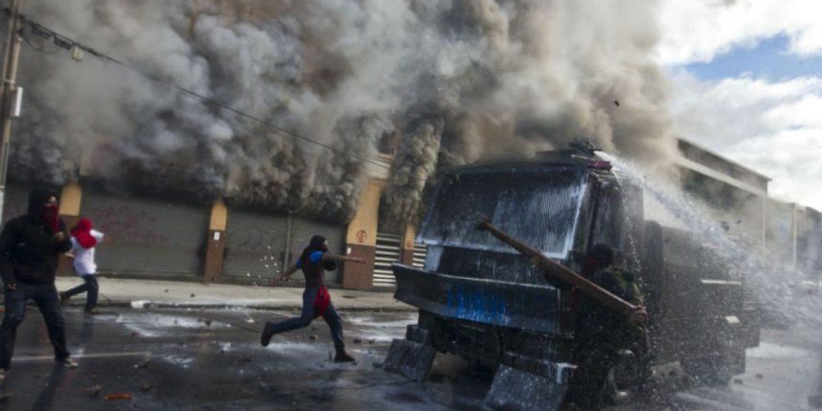 Disturbios durante discurso de Bachelet dejan un muerto