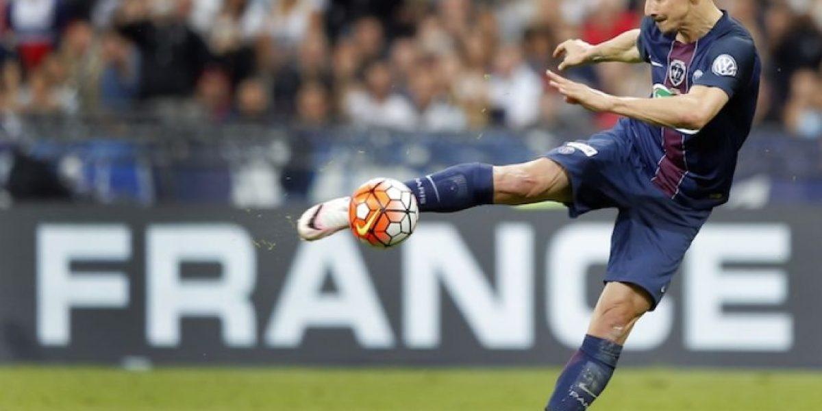 Zlatan Ibrahimovic se va del PSG otorgándoles la copa