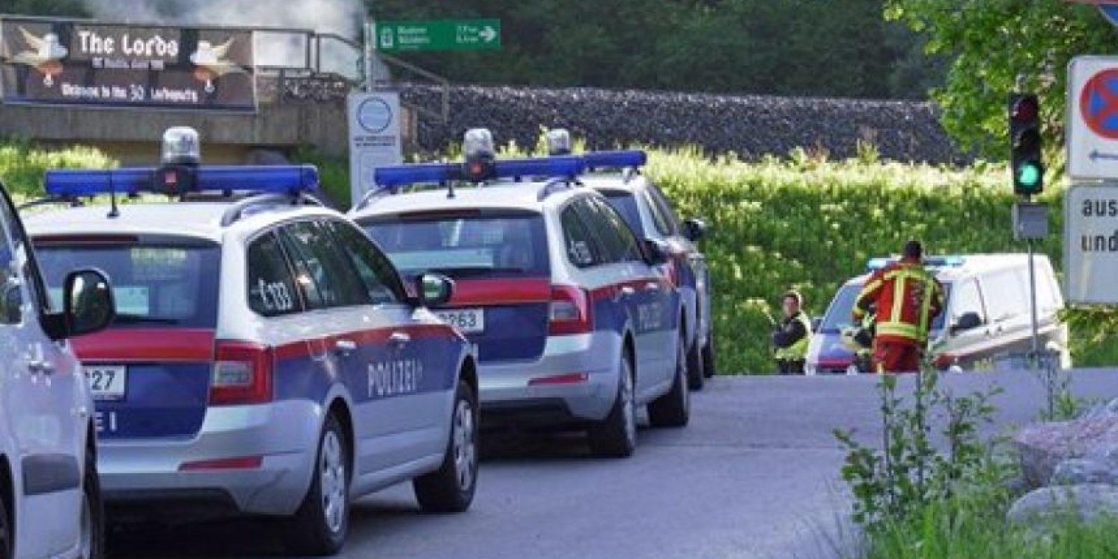 La policía inmediatamente arribó al lugar para comenzar las investigaciones Foto:AP