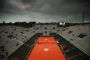 Lluvia en el Ronald Garros Foto:Getty Images