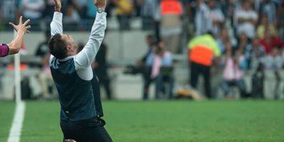El estratega de Monterrey se emocionó hasta las lágrimas luego del triunfo de su club. Foto:Getty Images