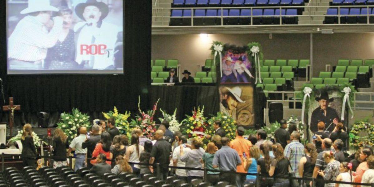 FOTOS: Dan el último adiós a Emilio Navaira