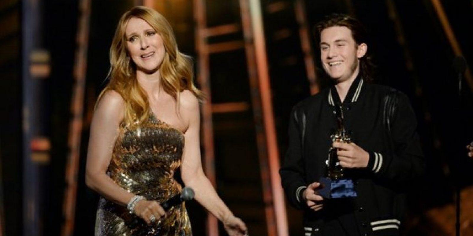 La cantante aguantó las lagrimas Foto:Getty Images