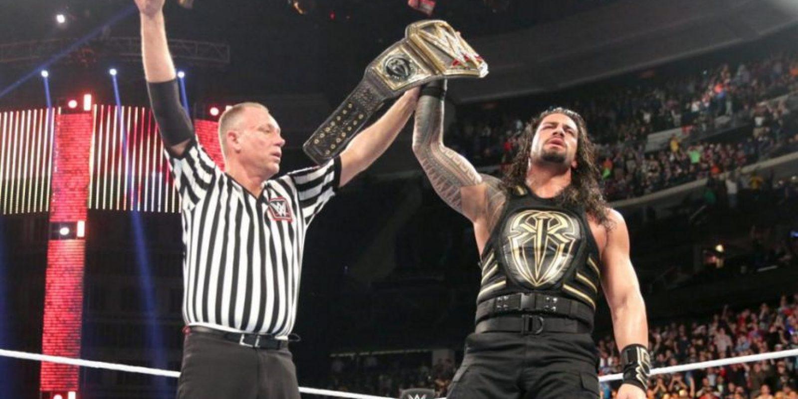 Roman Reigns venció a AJ Styles y retuvo el Campeonato Mundial de Peso Pesado de WWE Foto:WWE
