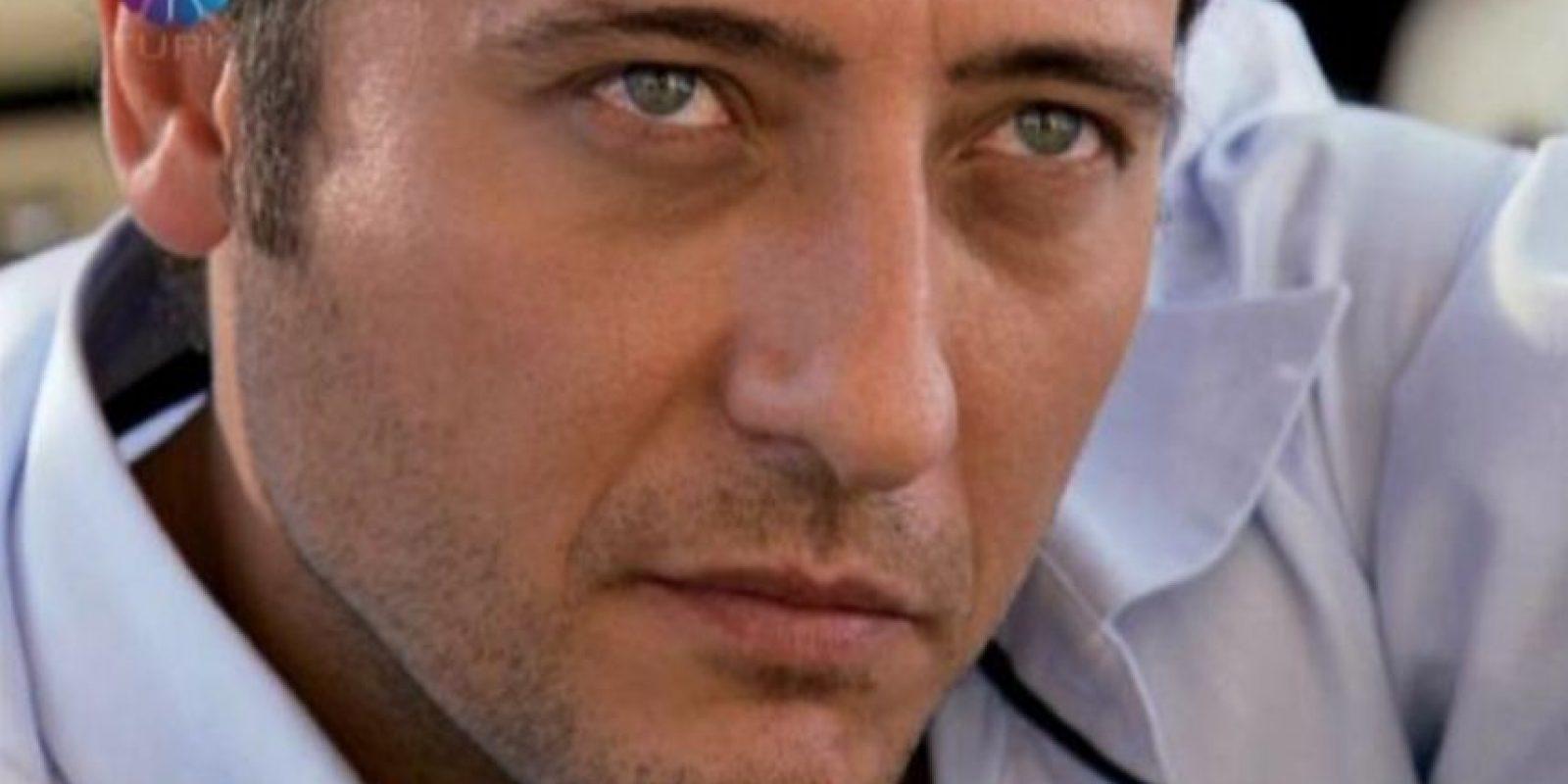 """""""Cengiz Atay"""" fue interpretado por Yiğit Özşener. Cengiz traicionó a Ömer y se casó con Eyşan. Es el gran villano de la telenovela. Foto:vía Show TV"""