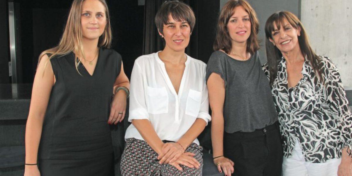 Rosa María Bianchi y Katina Medina estrenan Cineteca de San Pedro