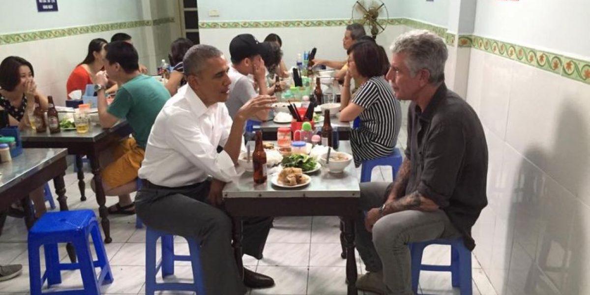 Obama cena en restaurante por 6 dólares en Vietnam