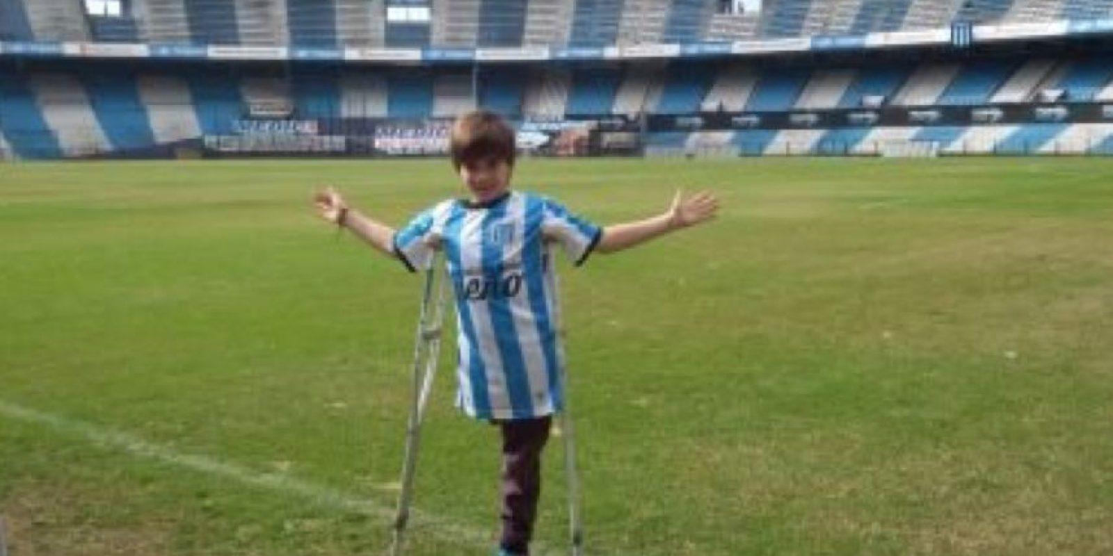 Santi tiene 10 años y es hincha de Racing Foto:Vía twitter.com/BonomoSabri