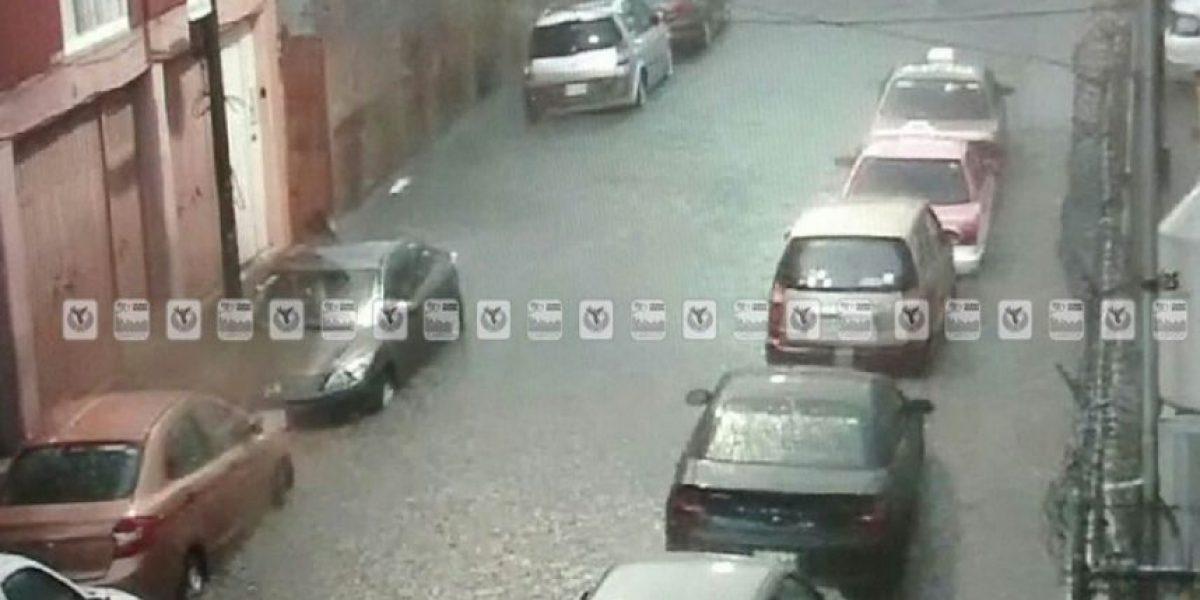 Lluvia y granizo dejan encharcamientos y caos vial en la CDMX