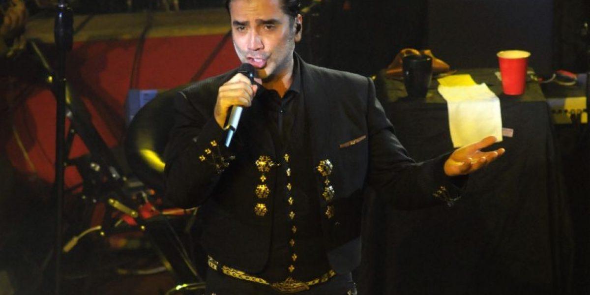 Alejandro Fernández sufre accidente y suspende concierto