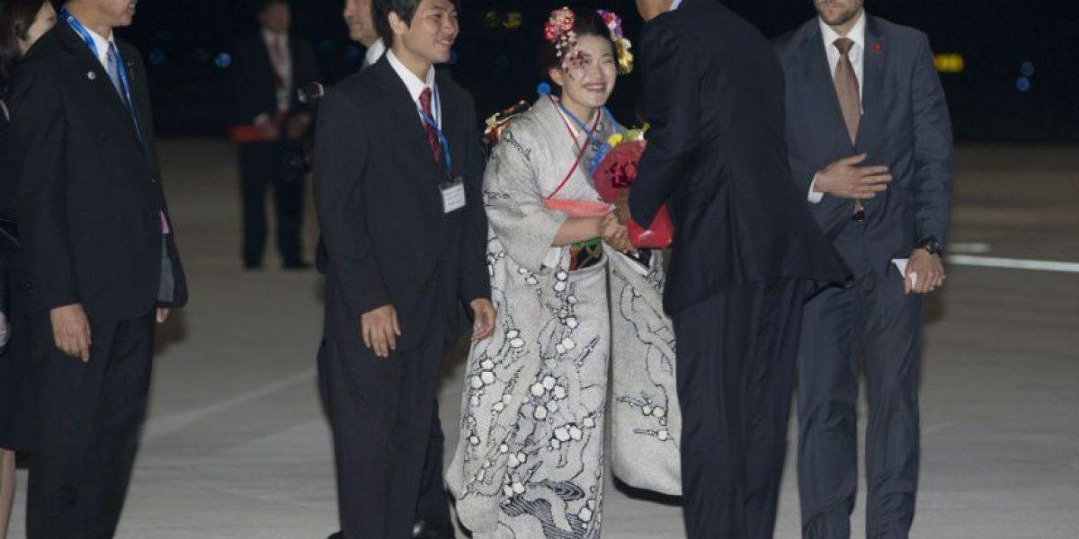Obama inicia visita a Japón; el viernes irá a Hiroshima