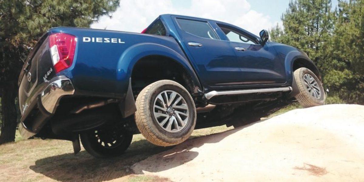 Nissan NP300 Frontier 4x4 diésel eleva su apuesta