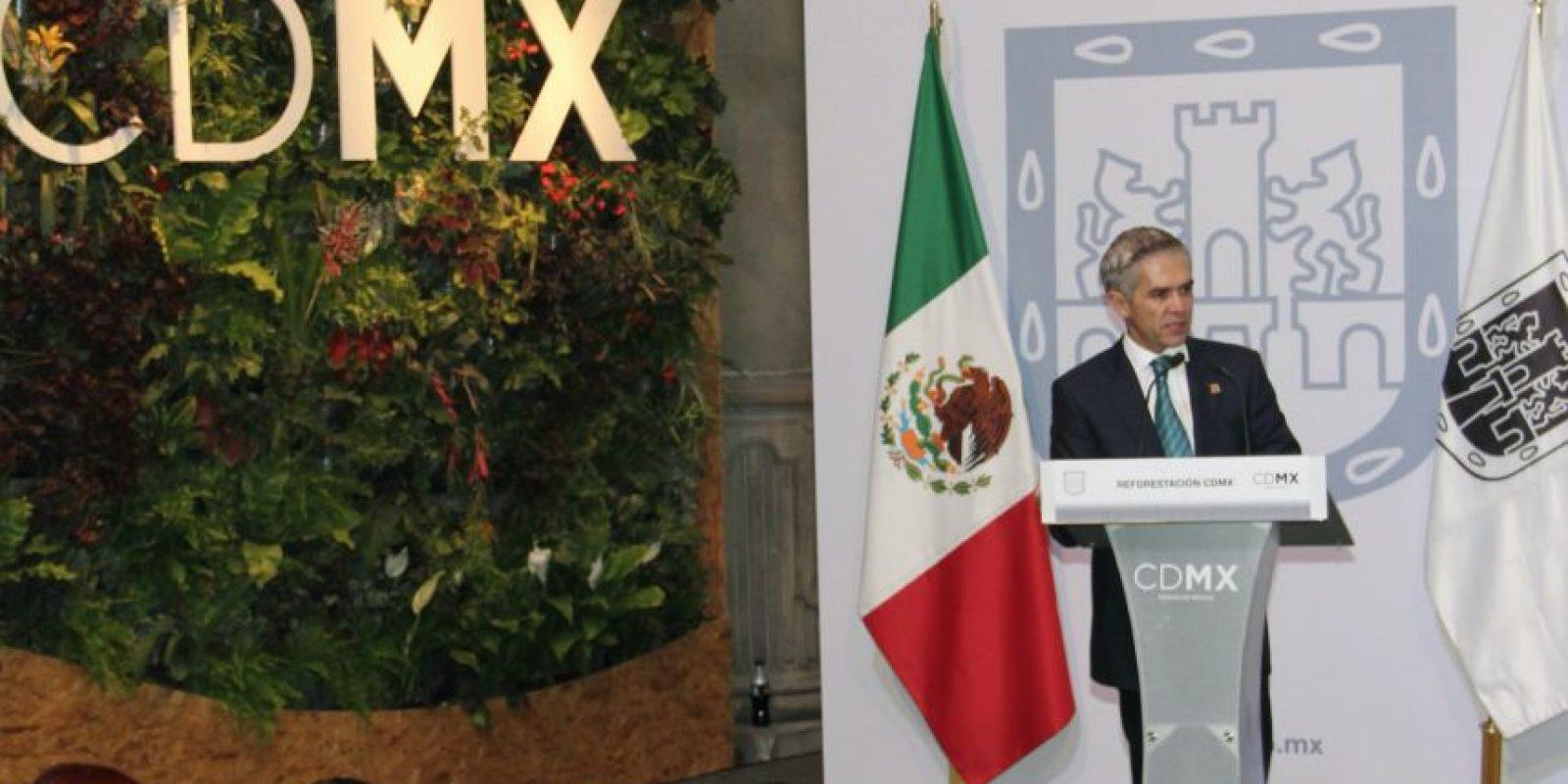 El jefe de gobierno Miguel Ángel Mancera afirmó que la capital esta mejor en materia ambiental que hace 10 años Foto:Especial