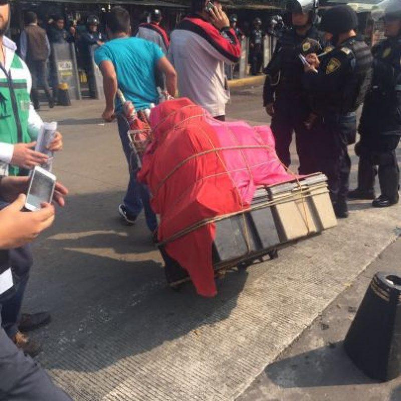 Los ambulantes tenían estructuras semifijas en la el lugar Foto:Especial