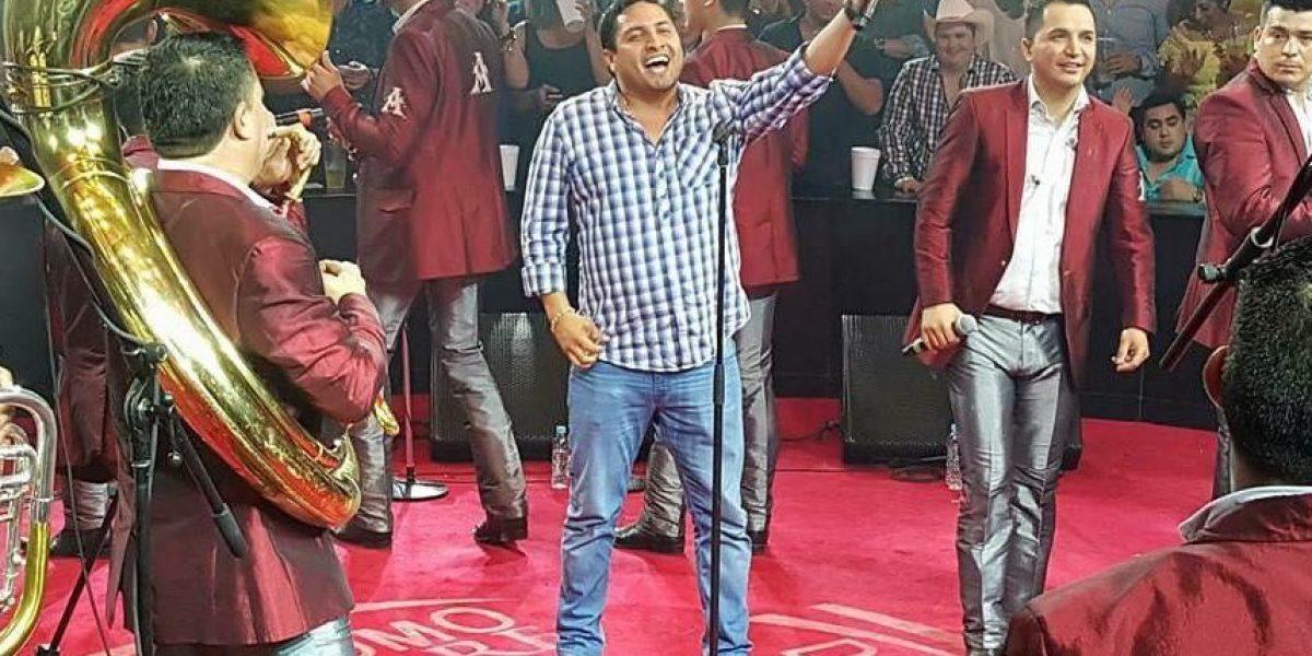 Julión Álvarez rompe veto y actúa en Monterrey