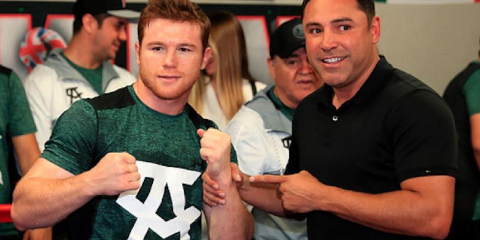 Saúl Álvarez y Óscar de la Hoya enfrentarán el juicio ante la promotora All Star Boxing. Foto:Getty Images