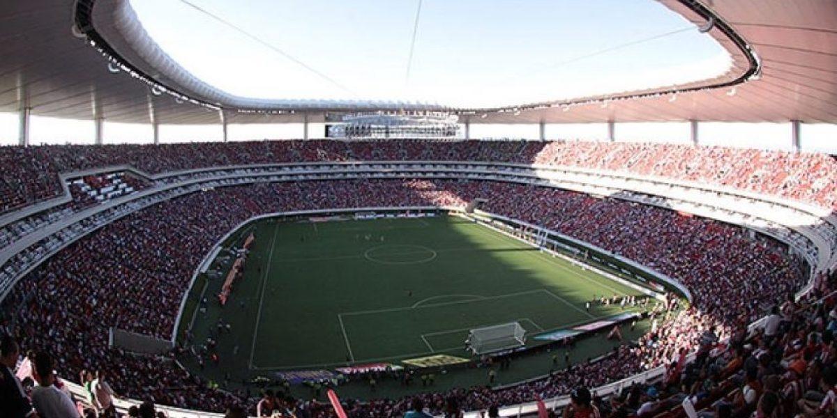 Habrá concurso para elegir al narrador de los partidos de Chivas
